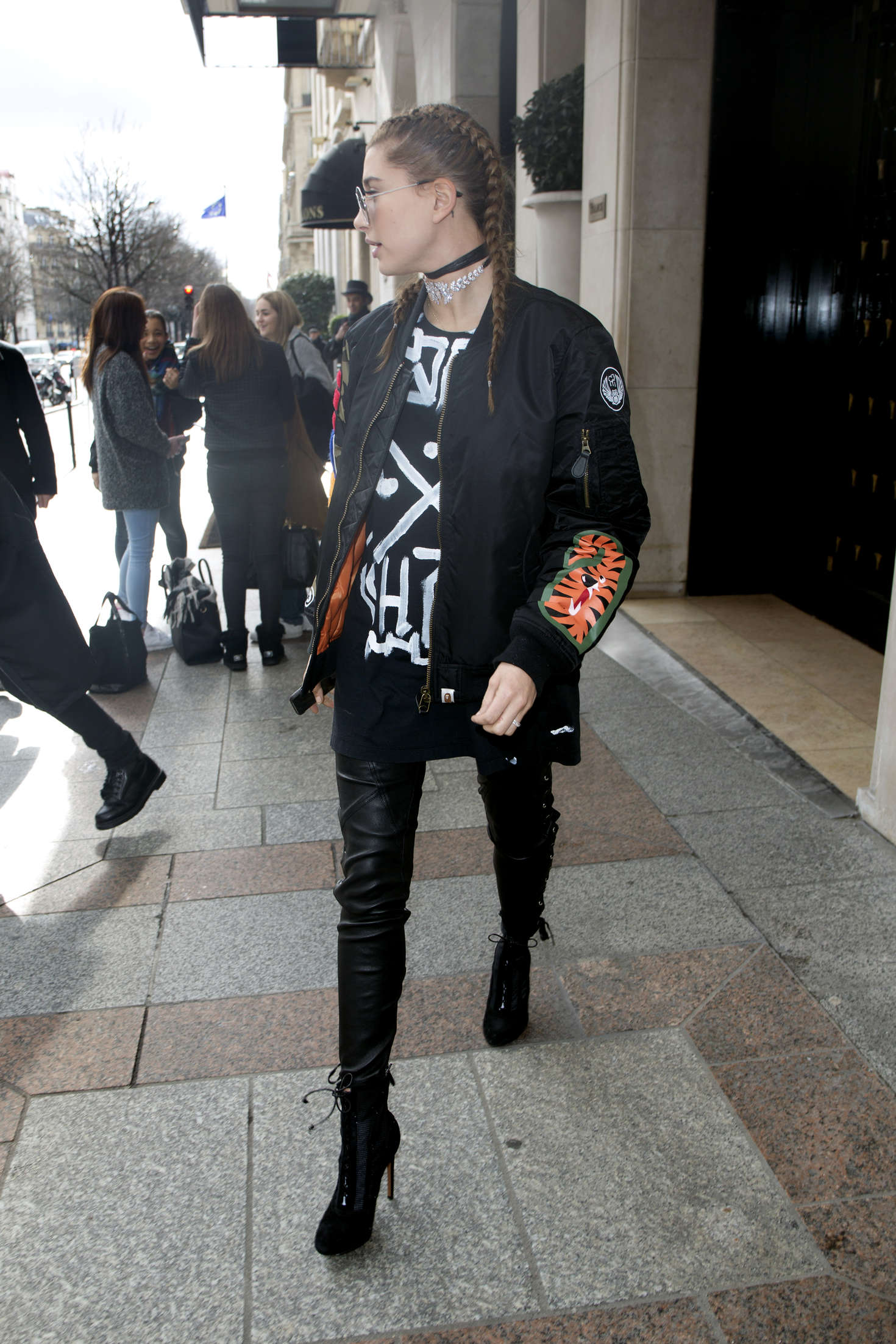 Hailey Baldwin leaving the George V Hotel