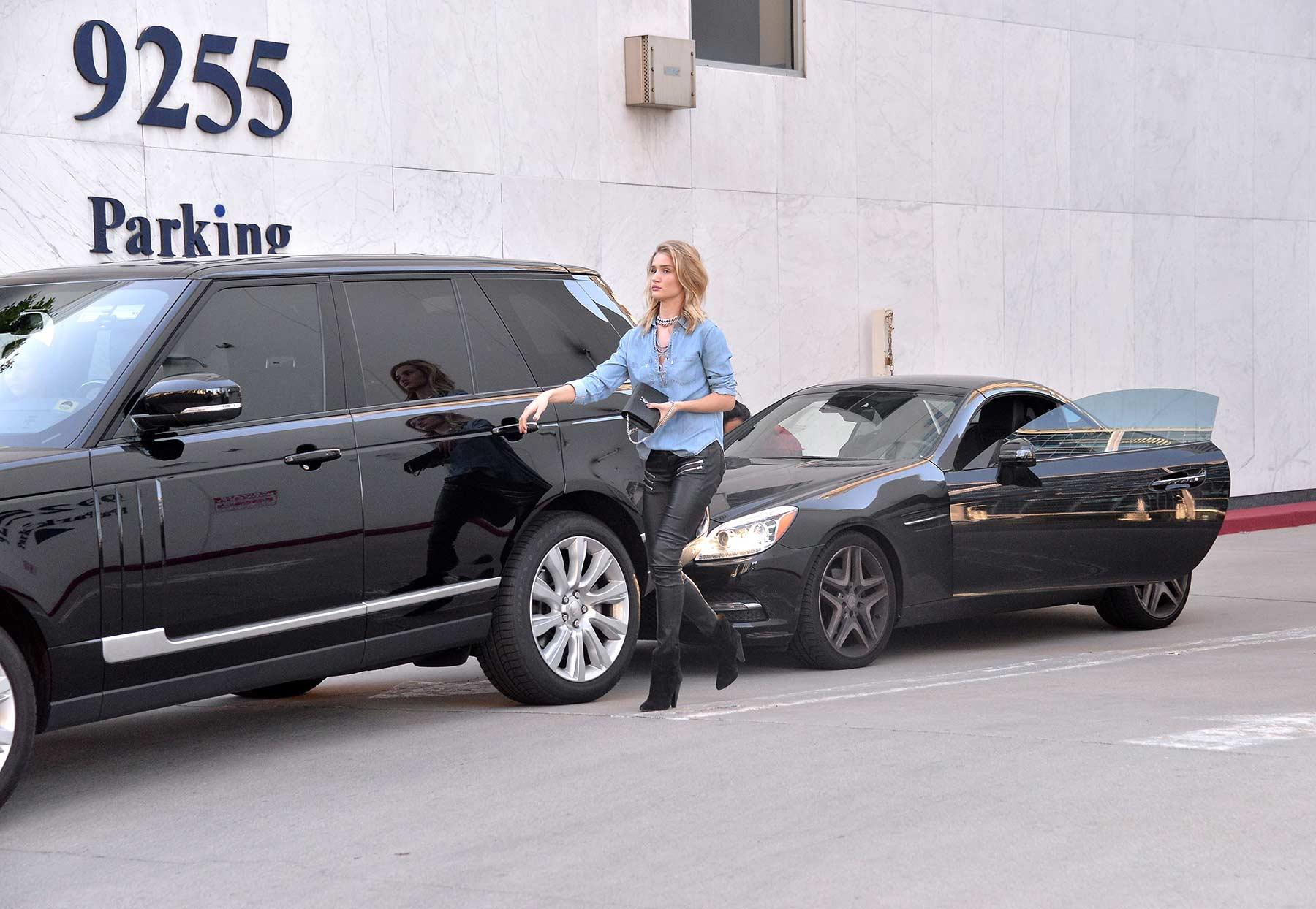 Rosie Huntington-Whiteley has a Car Accident