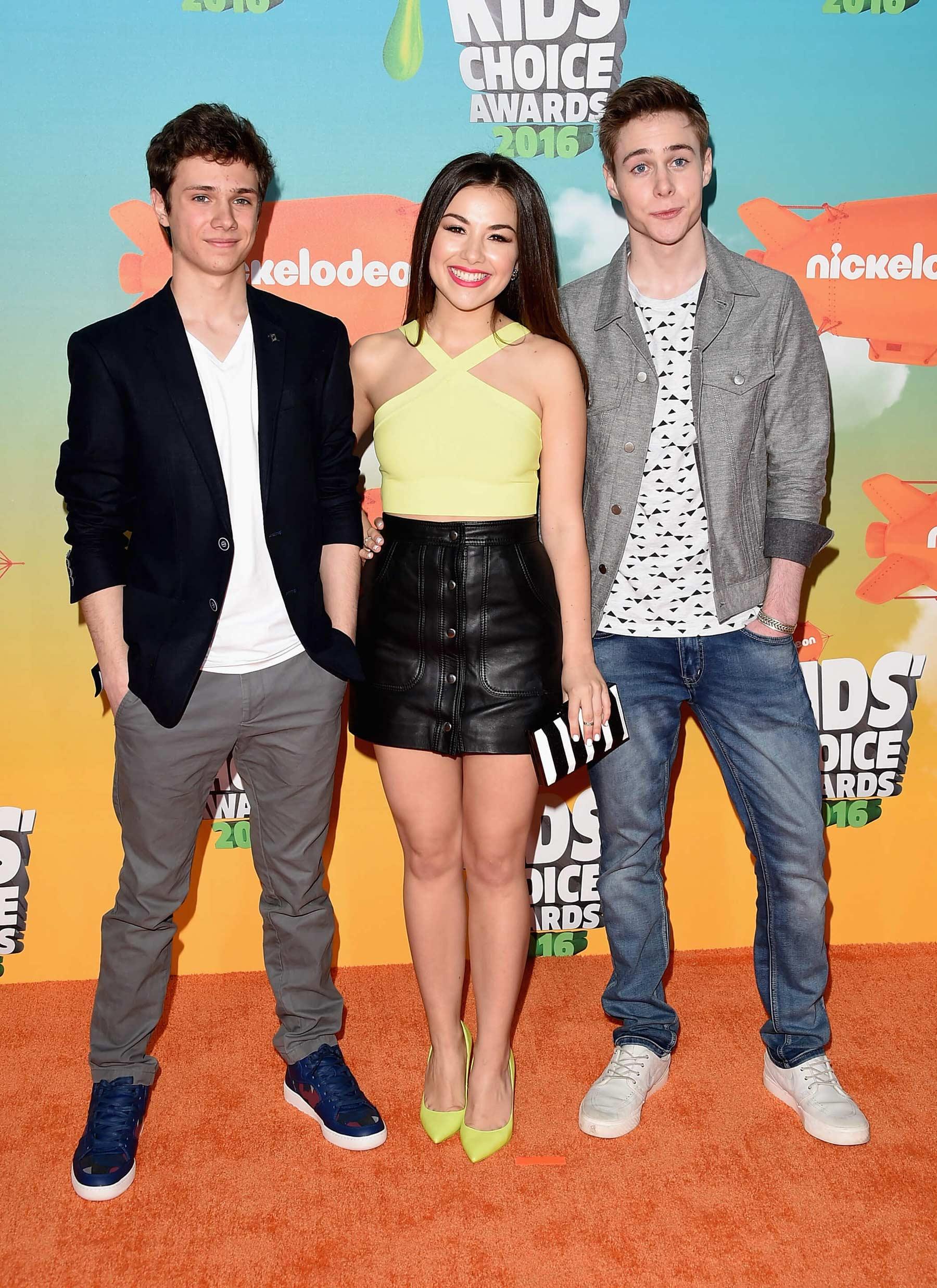 Esther Zynn attends 2016 Nickelodeon Kids Choice Awards