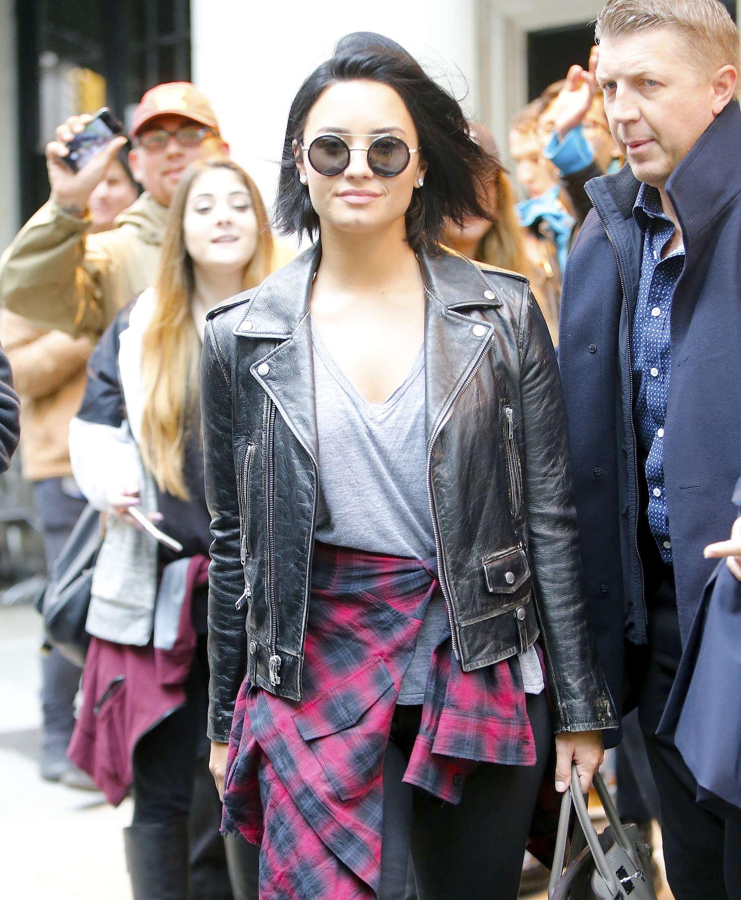 Demi Lovato leaving her hotel in New York