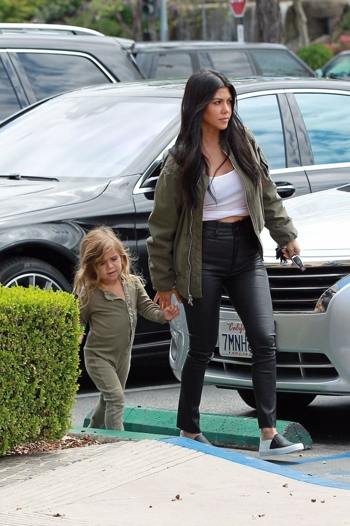 Kourtney Kardashian is seen taking her daughter Penelope Disick to Color Me Mine