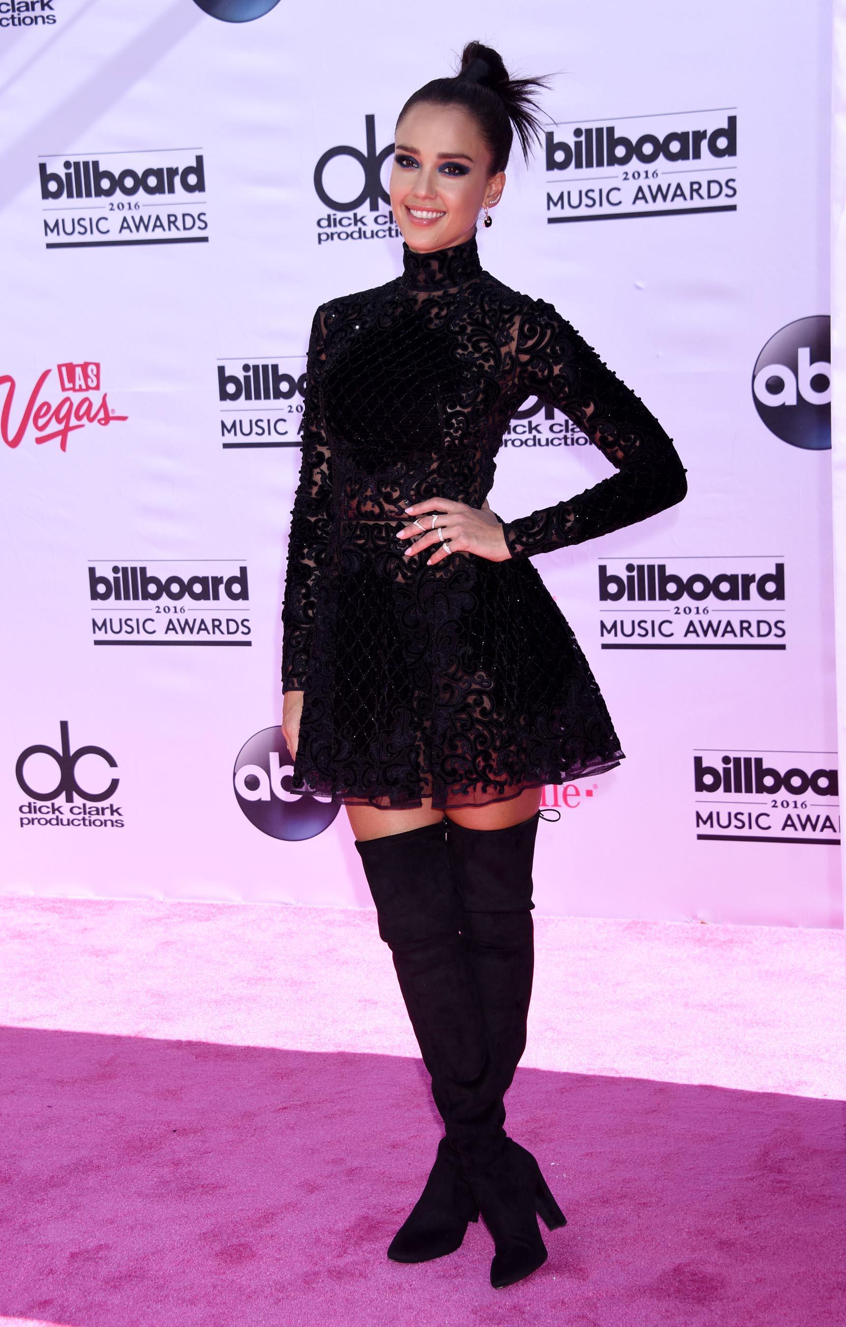 Jessica Alba attends 2016 Billboard Music Awards