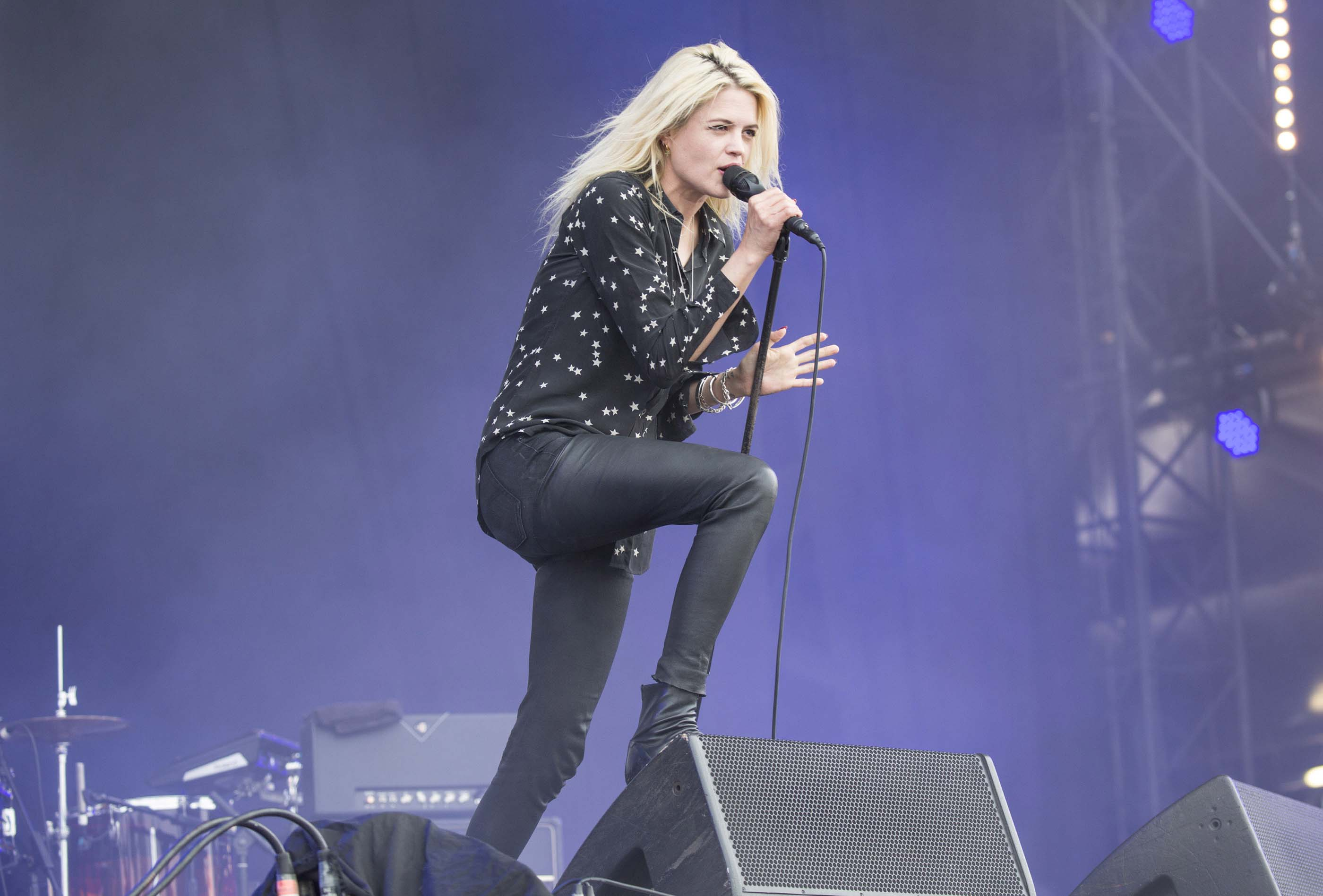 Alison Mosshart performs at the 2016 Park Live international music festival