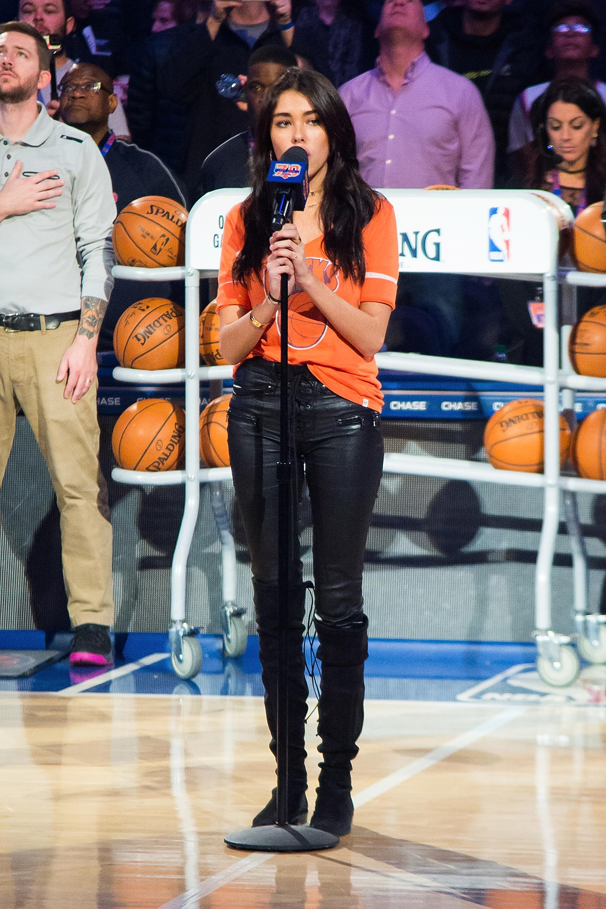 Madison (MS) United States  city photos gallery : Madison Beer sings the United States National Anthem