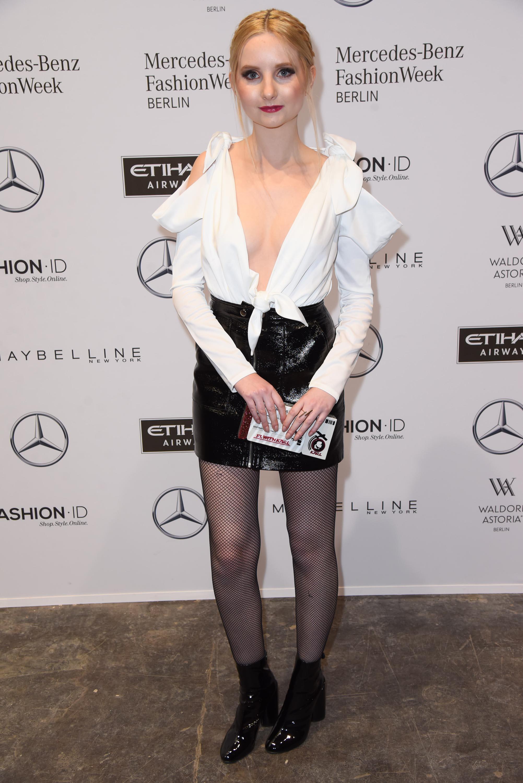Anna Hiltrop attends the Hien Le show