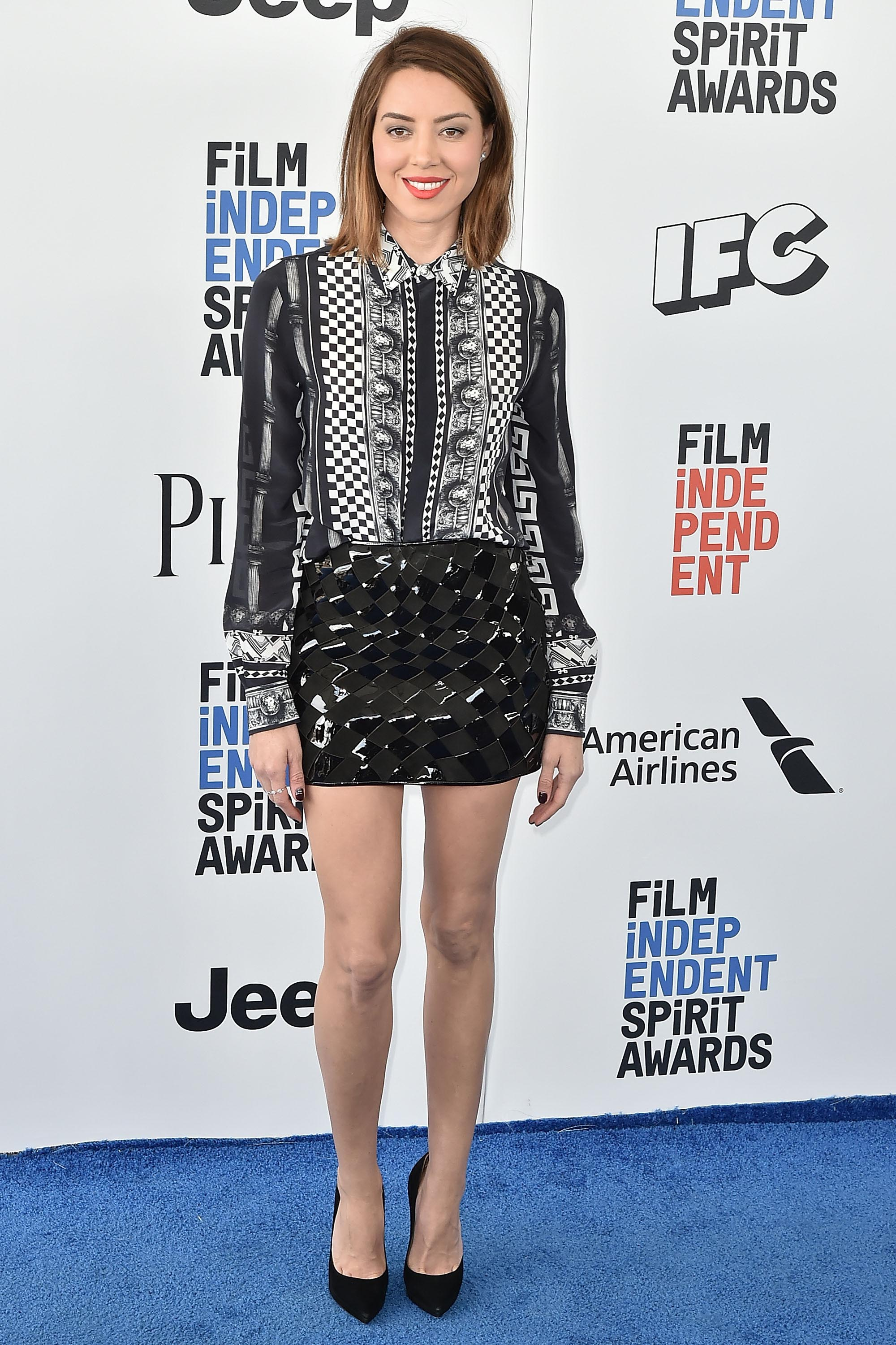 Aubrey Plaza attends the 2017 Film Independent Spirit Awards