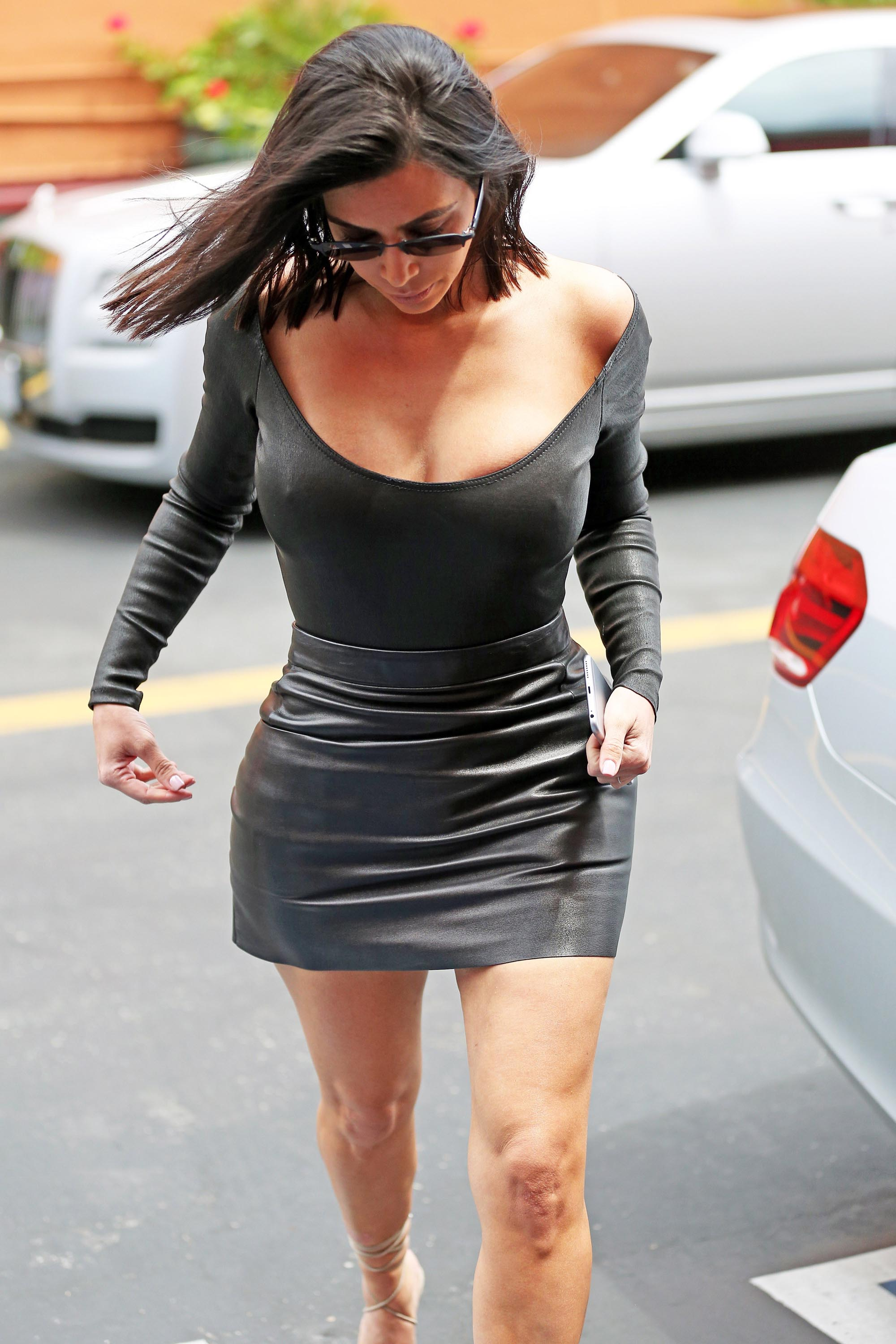 Kim Kardashian arrives to Film KUWTK