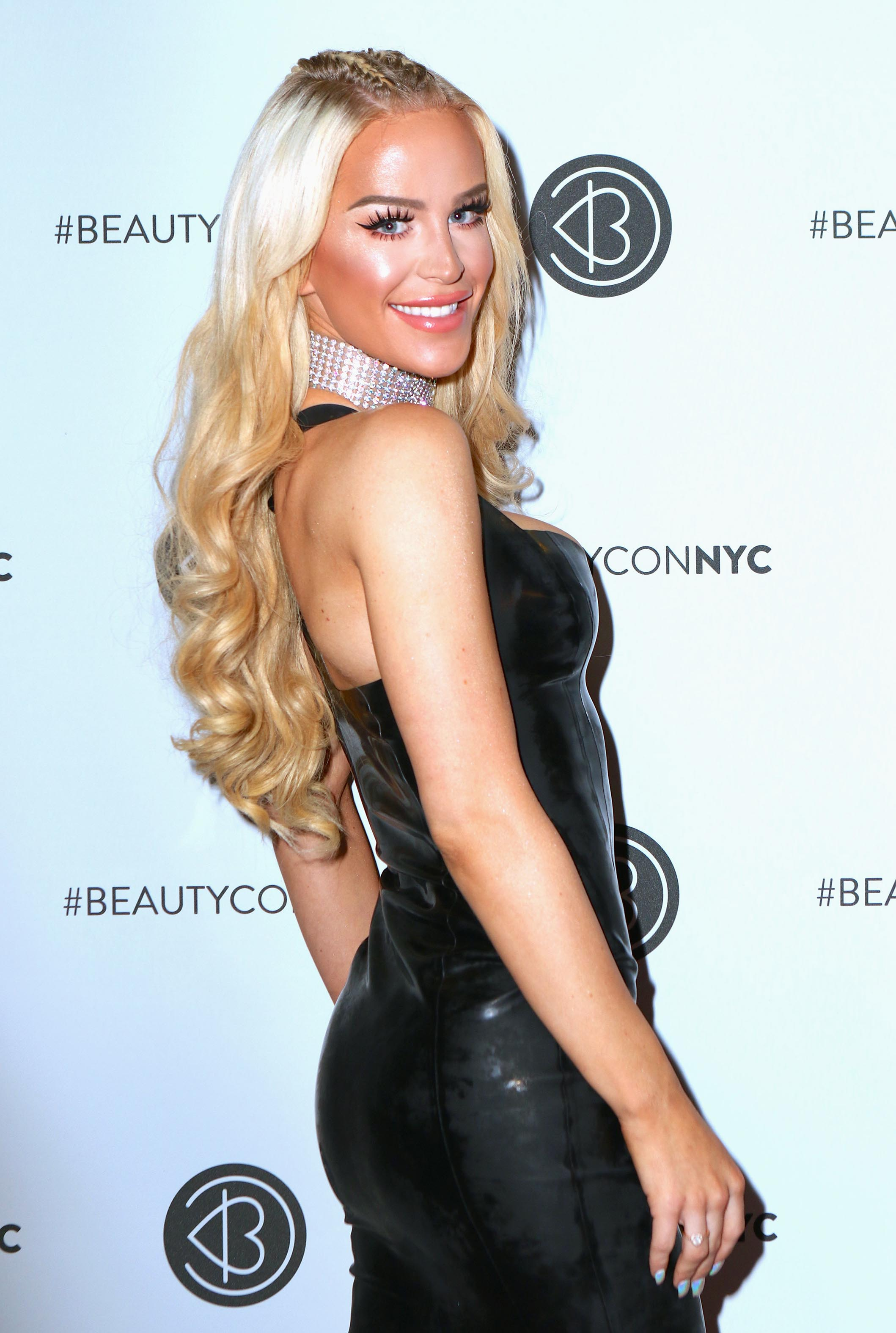 GiGi Gorgeous attends Beautycon Festival NYC