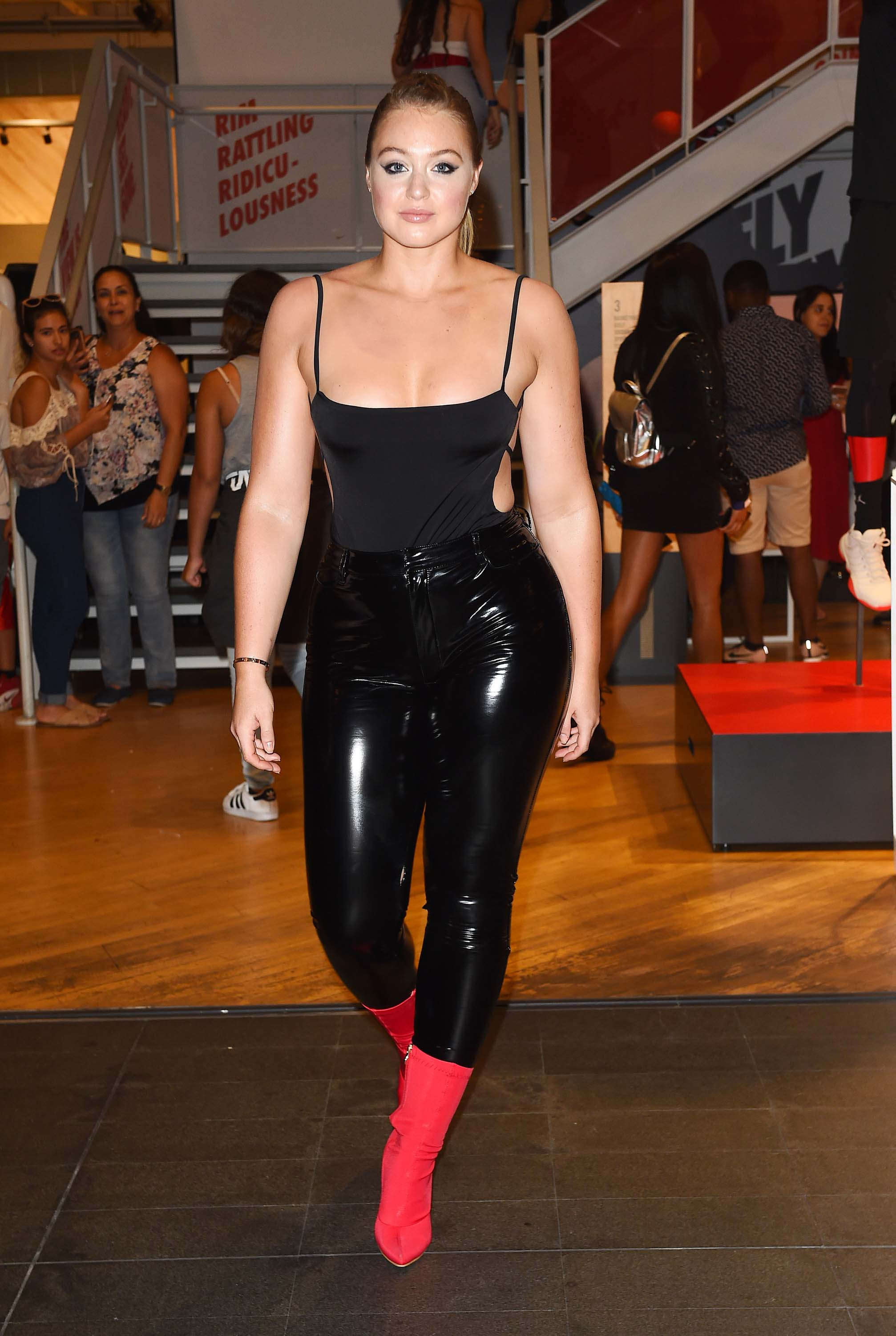 Iskra Lawrence attends Pre Beautycon Party