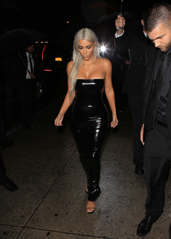 Kim Kardashian arriving at the Tom Ford NYFW Show