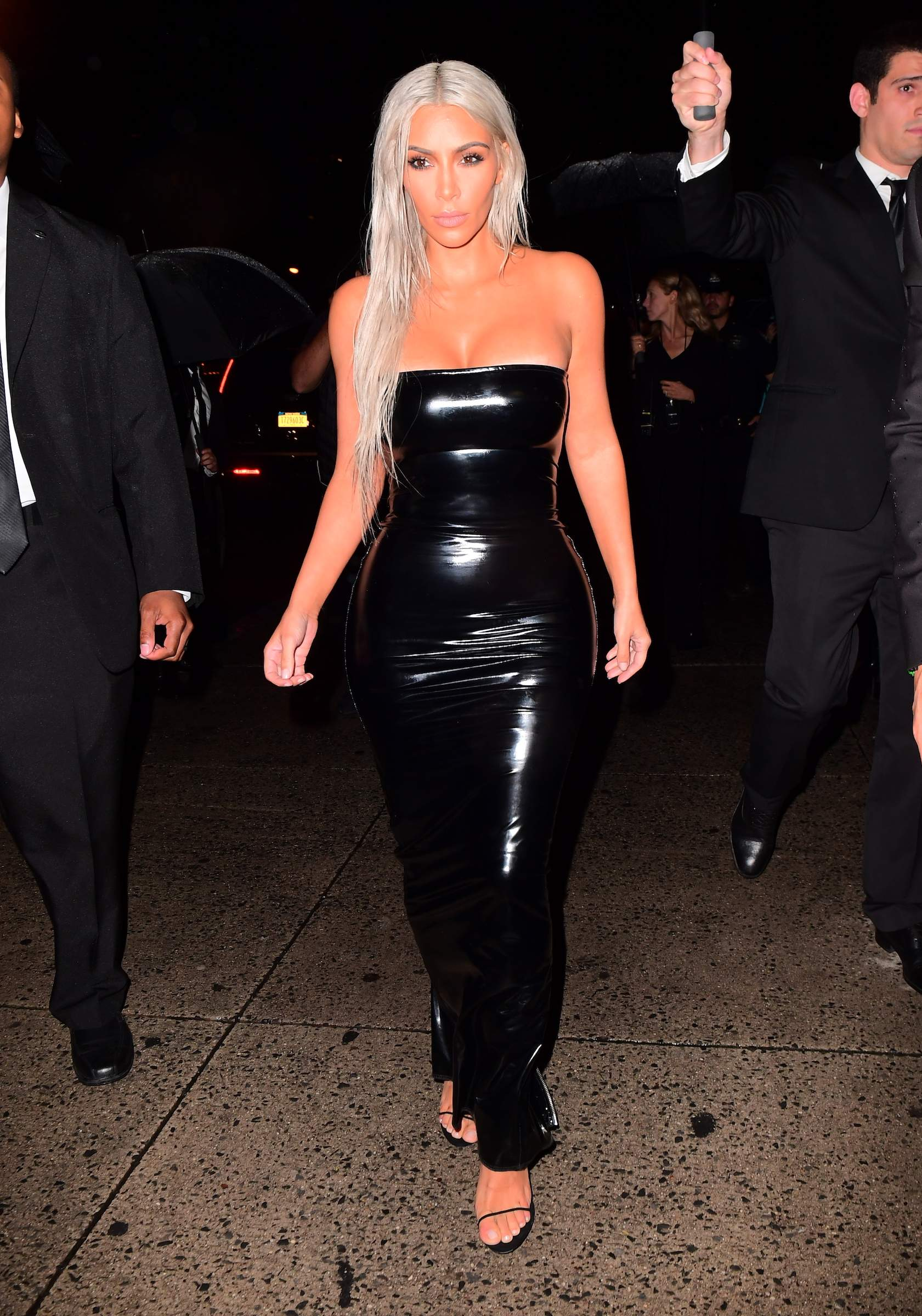 Kim Kardashian arriving at the Tom Ford NYFW Show