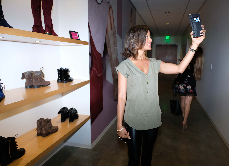Heather Hemmens visit Shoedazzle El Segundo