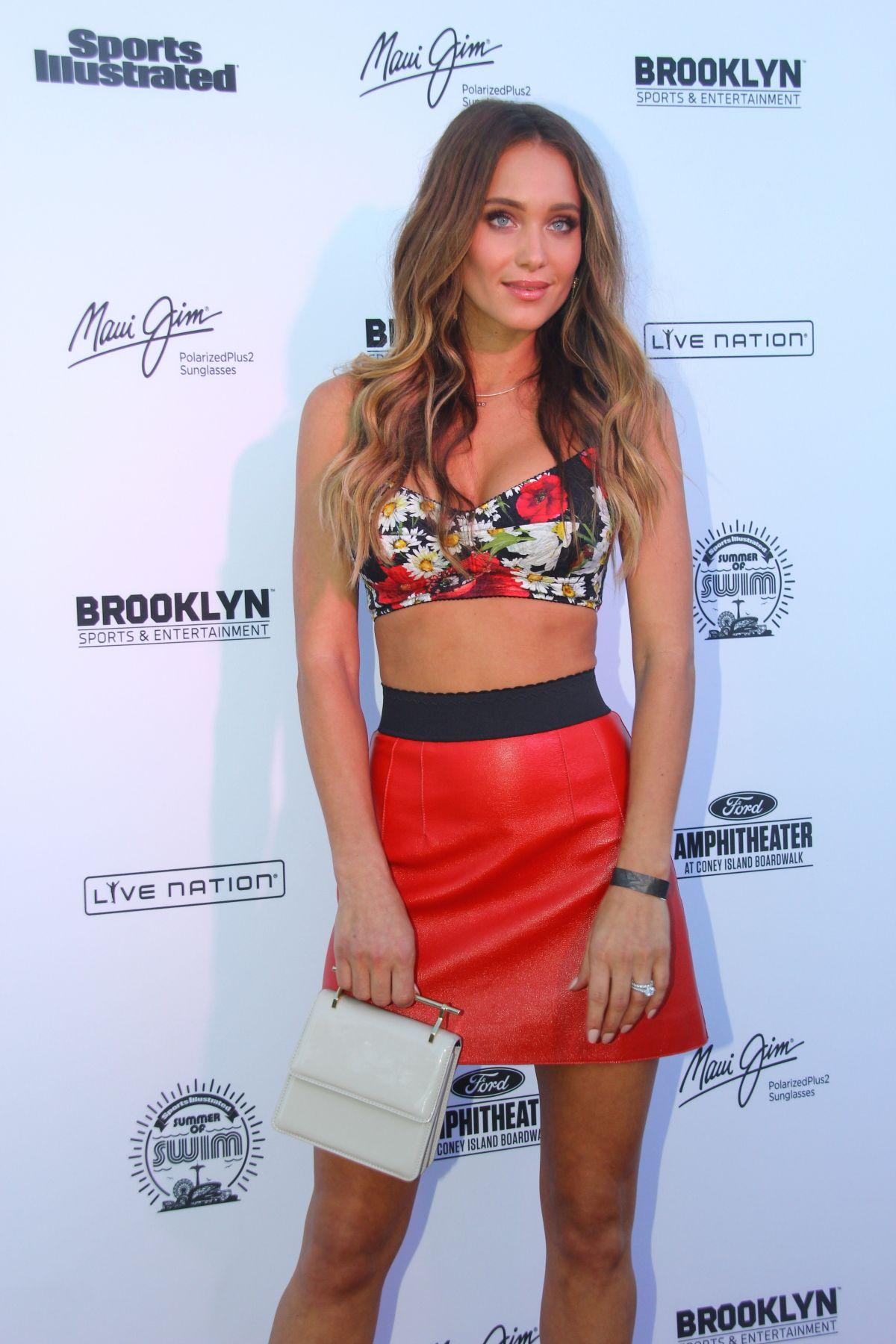 Hannah Davis attends Sports Illustrated Swimsuit