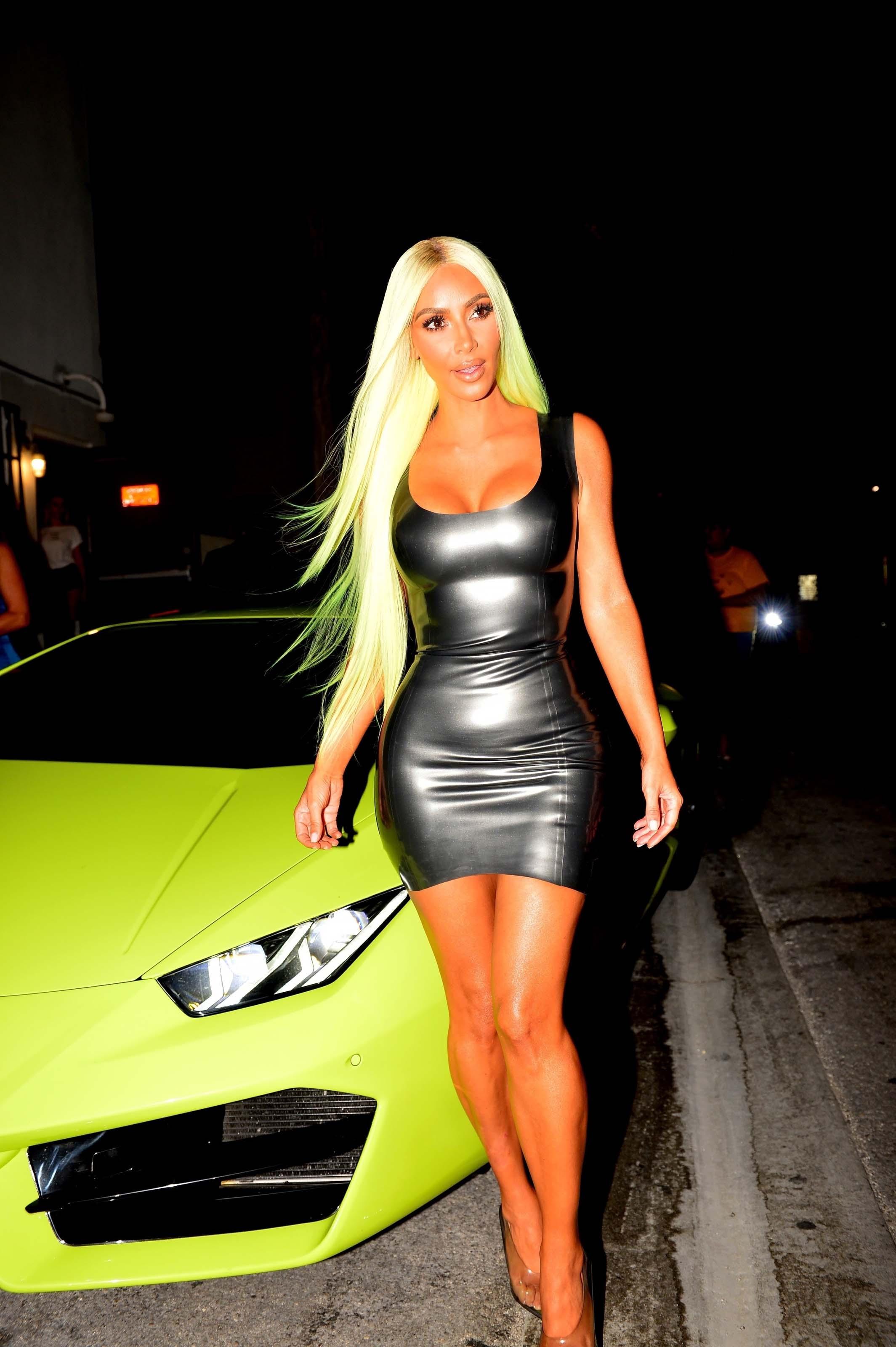 Kim Kardashian goes dinner in Miami