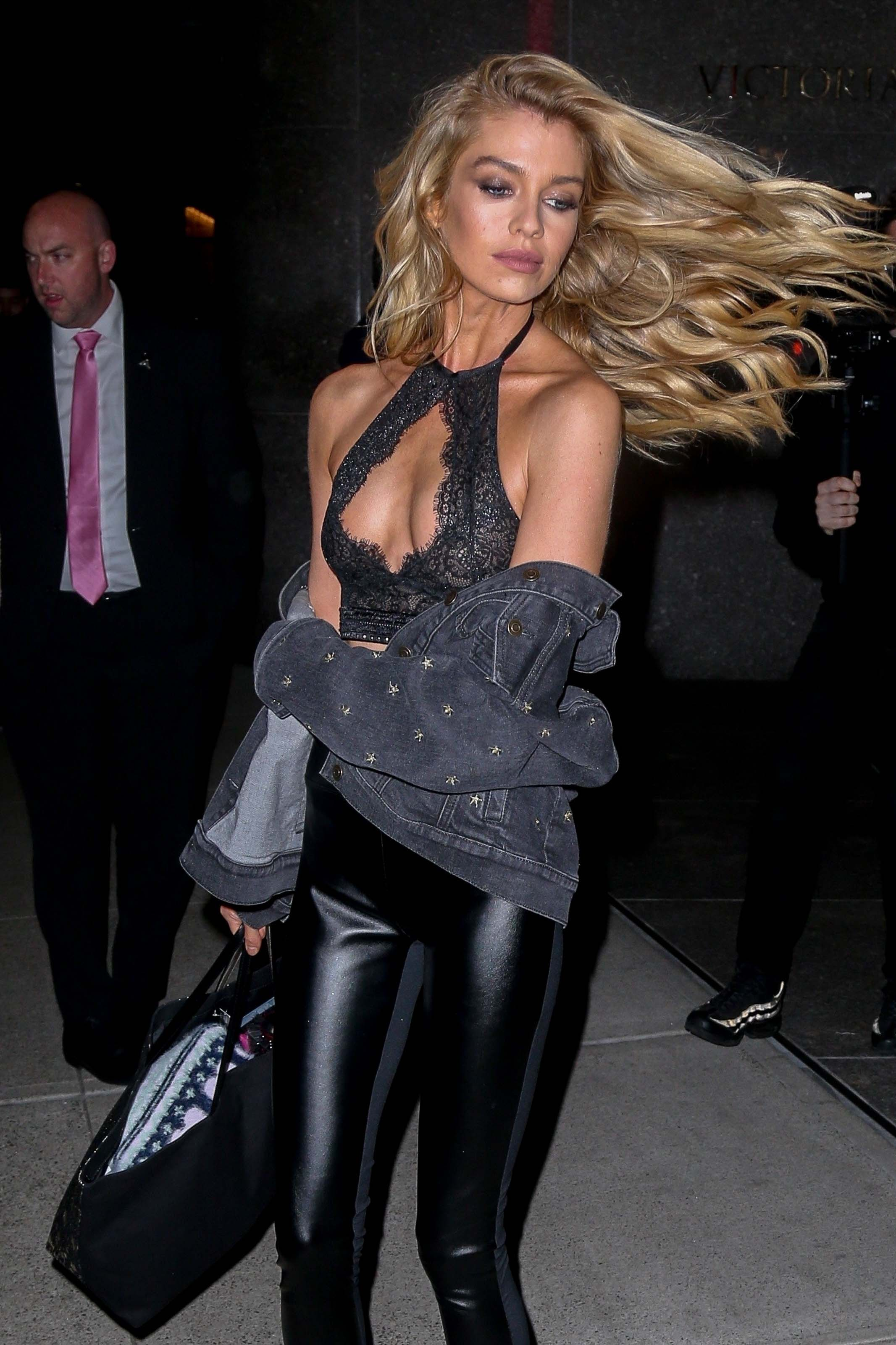 Stella Maxwell seen at Victoria's Secret