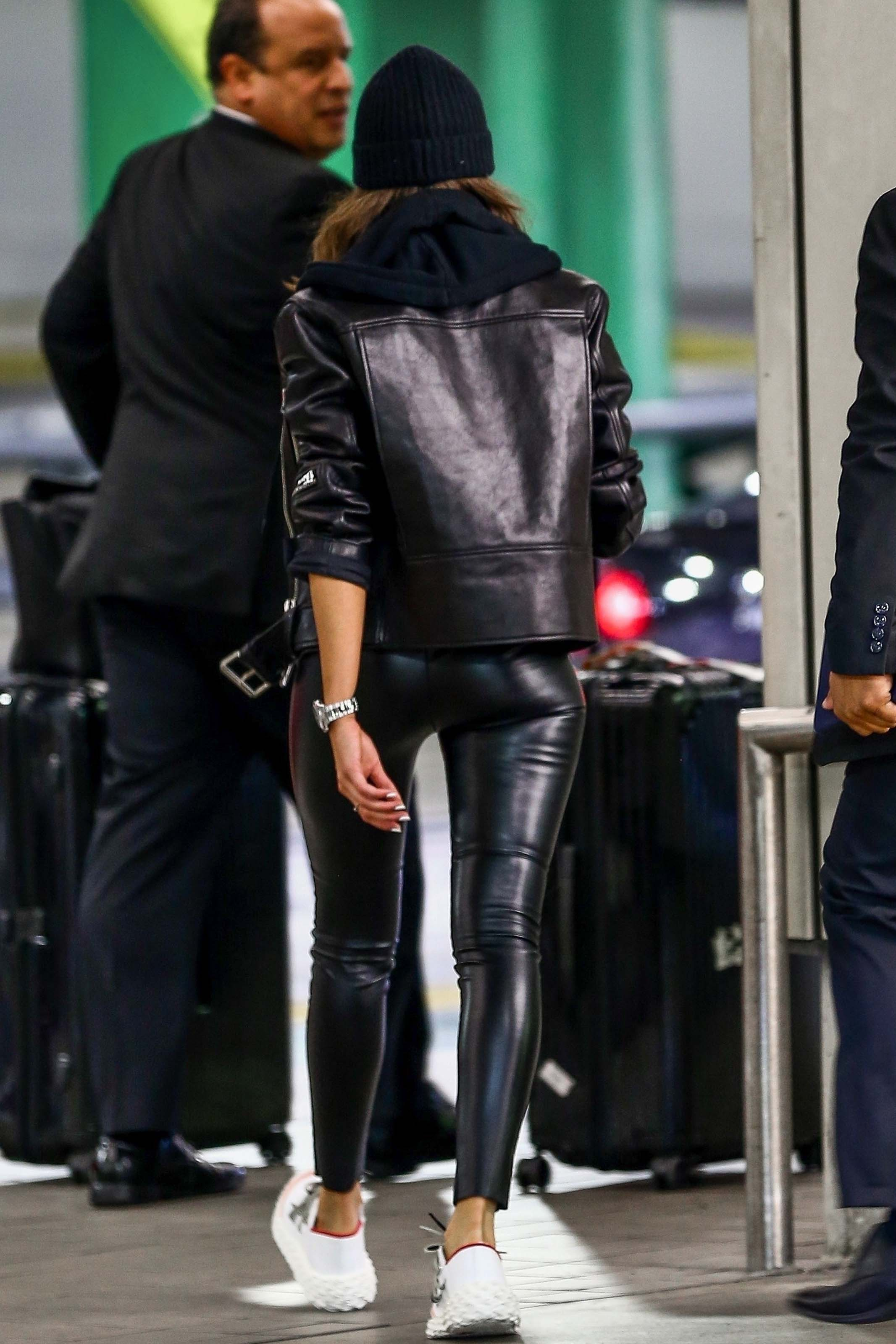 Olivia Culpo at the airport in Miami