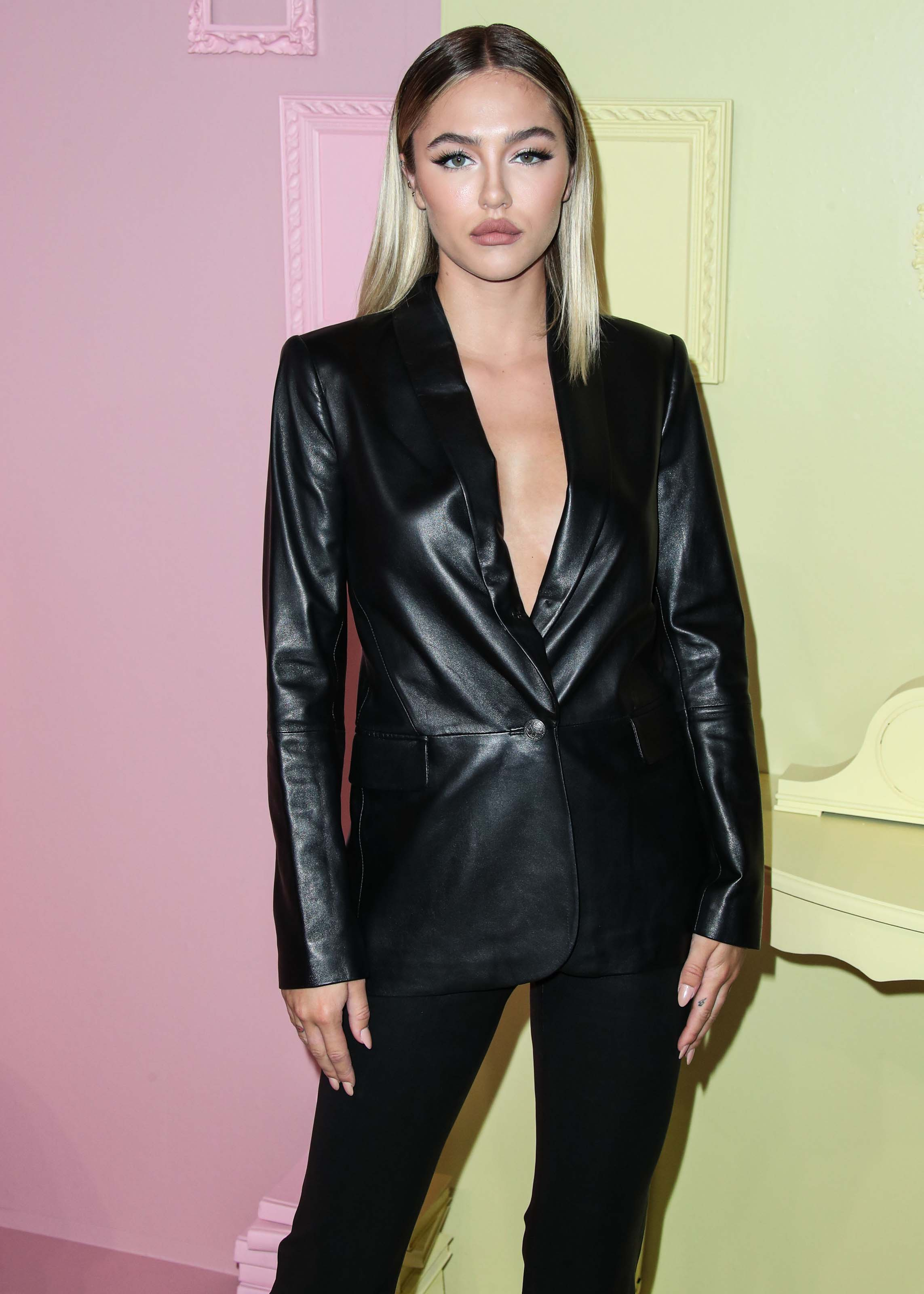 Delilah Hamlin attends Alice and Olivia show