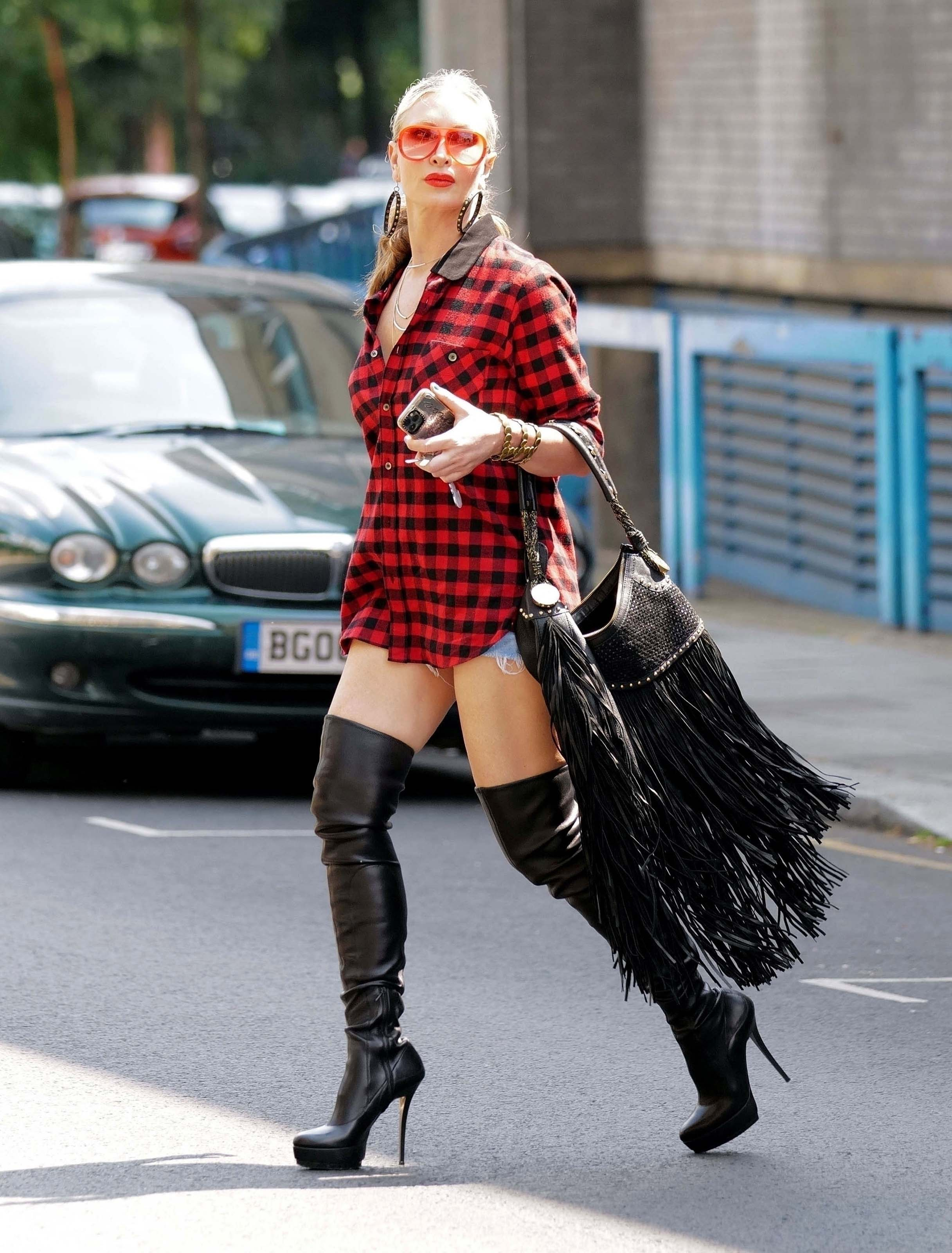 Caprice Bourret out to lunch in London