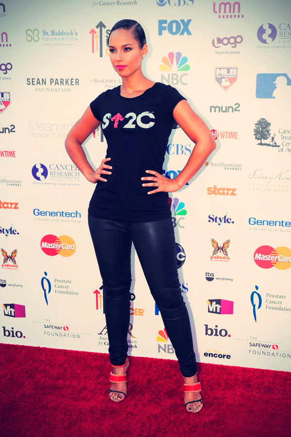 Alicia Keys at the 2012 Stand Up To Cancer telecast