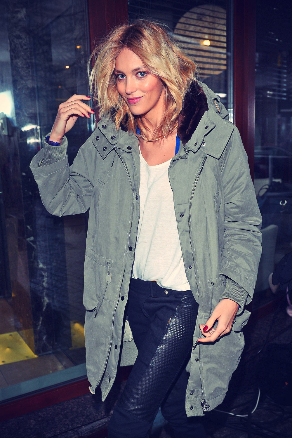 Anja Rubik At TV show Good Morning TVN