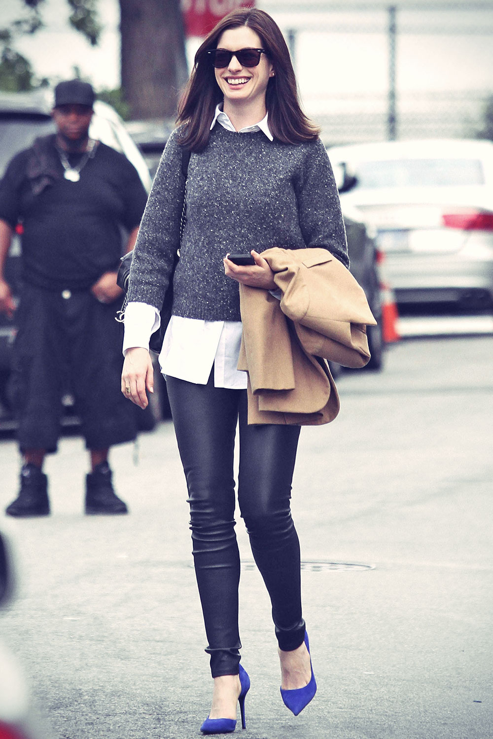 Anne Hathaway The Intern set candids