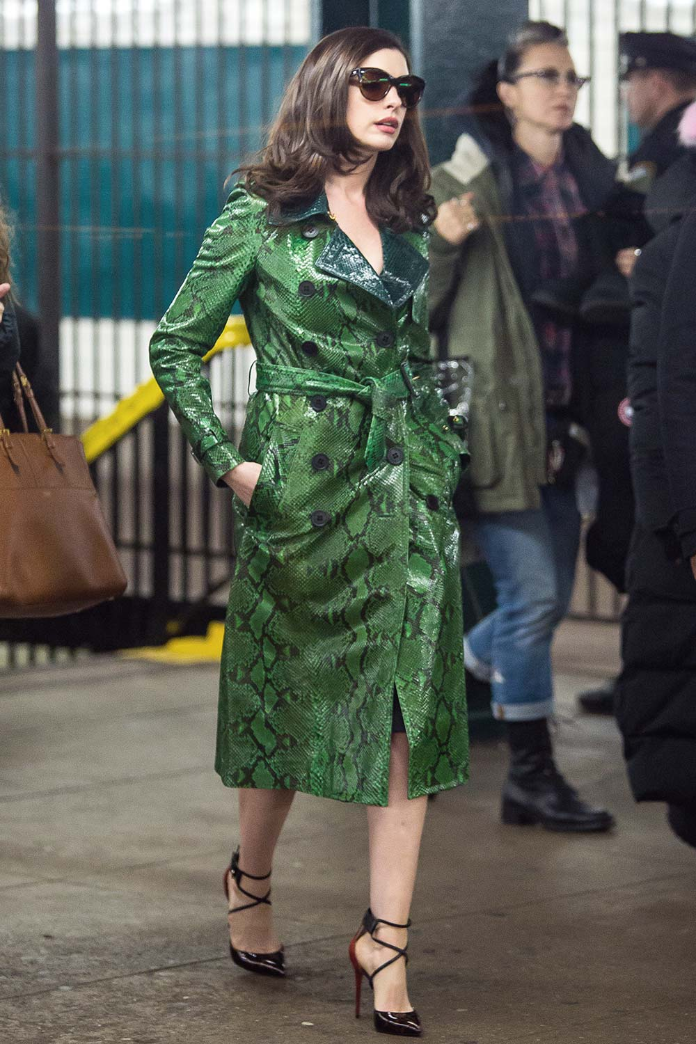 Anne Hathaway is seen filming Ocean's