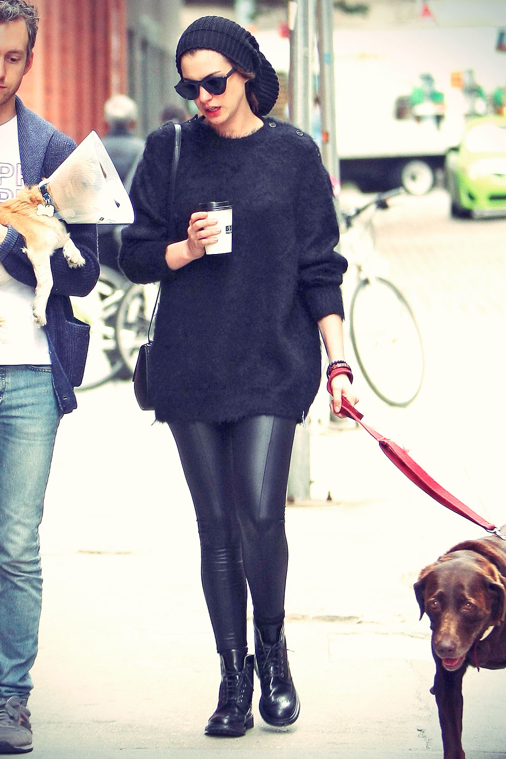 Anne Hathaway out in NYC