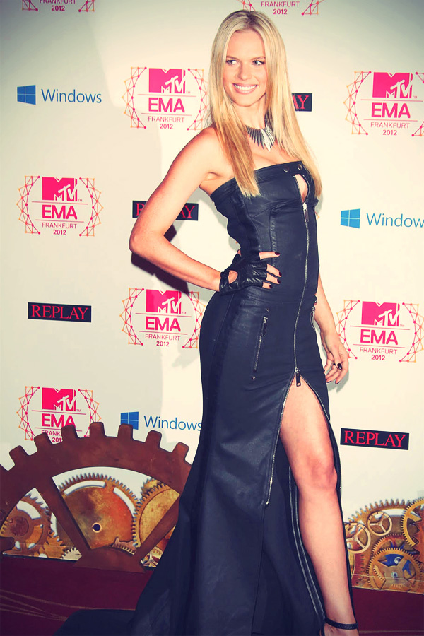 Anne V at The MTV EMA's 2012