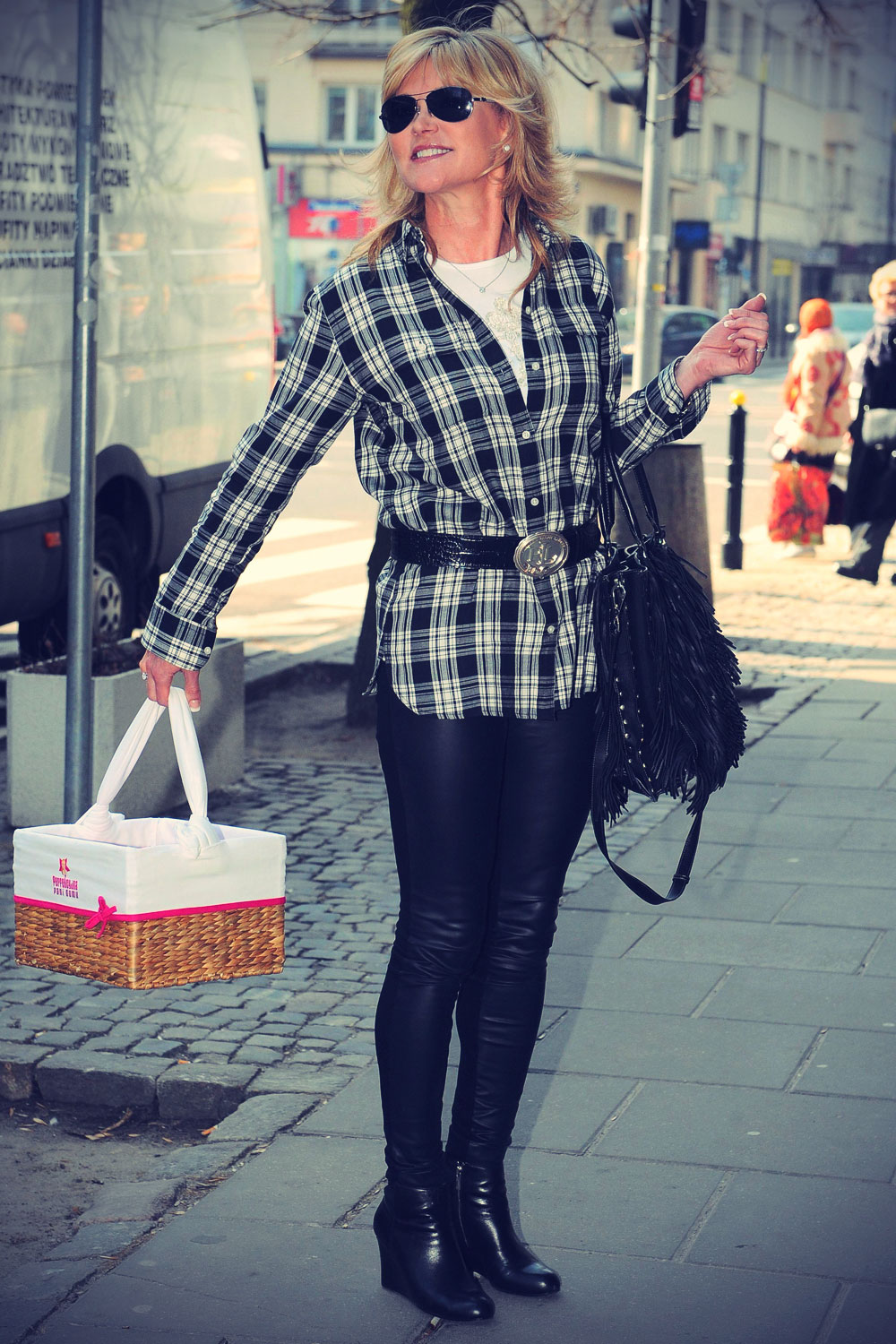 Anthea Turner shopping Warsaw Poland