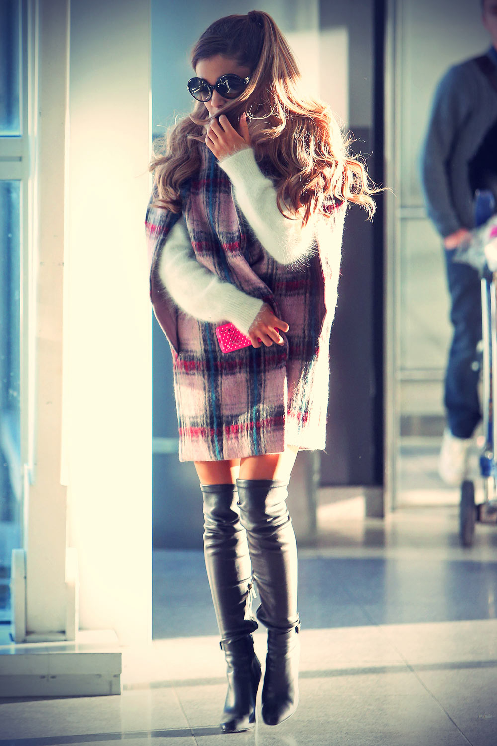 Ariana Grande arrive at JFK airport