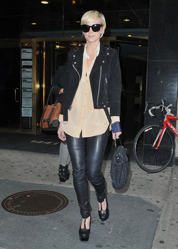 Ashlee Simpson shopping at Bergdorf Goodman