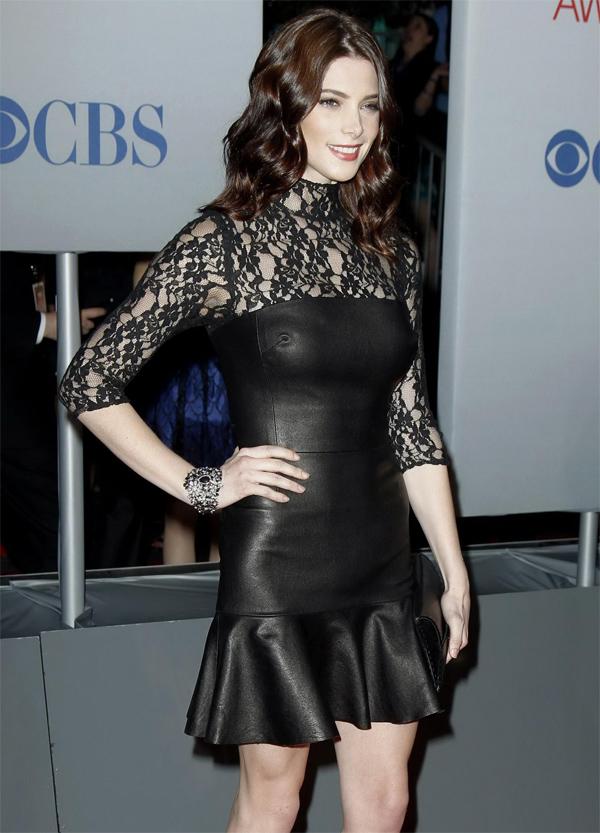 Ashley Greene at People Choice Awards