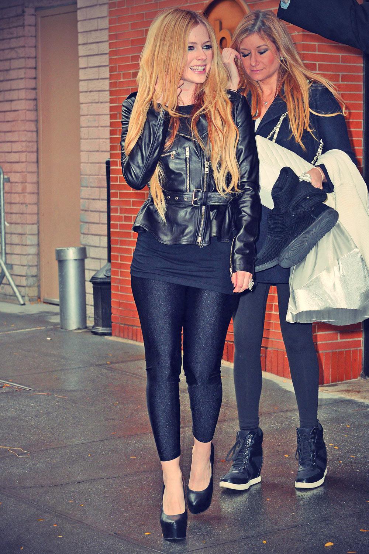 Avril Lavigne Katie Couric show departure candids