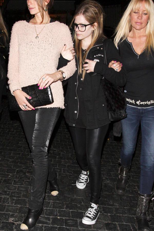 Avril Lavigne outside Chateau Marmont