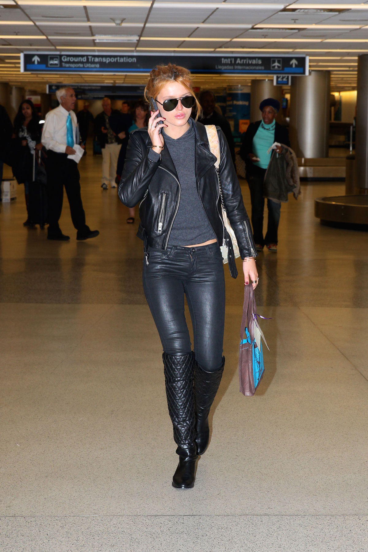 Bella Thorne At Chicago S O Hare International Airport