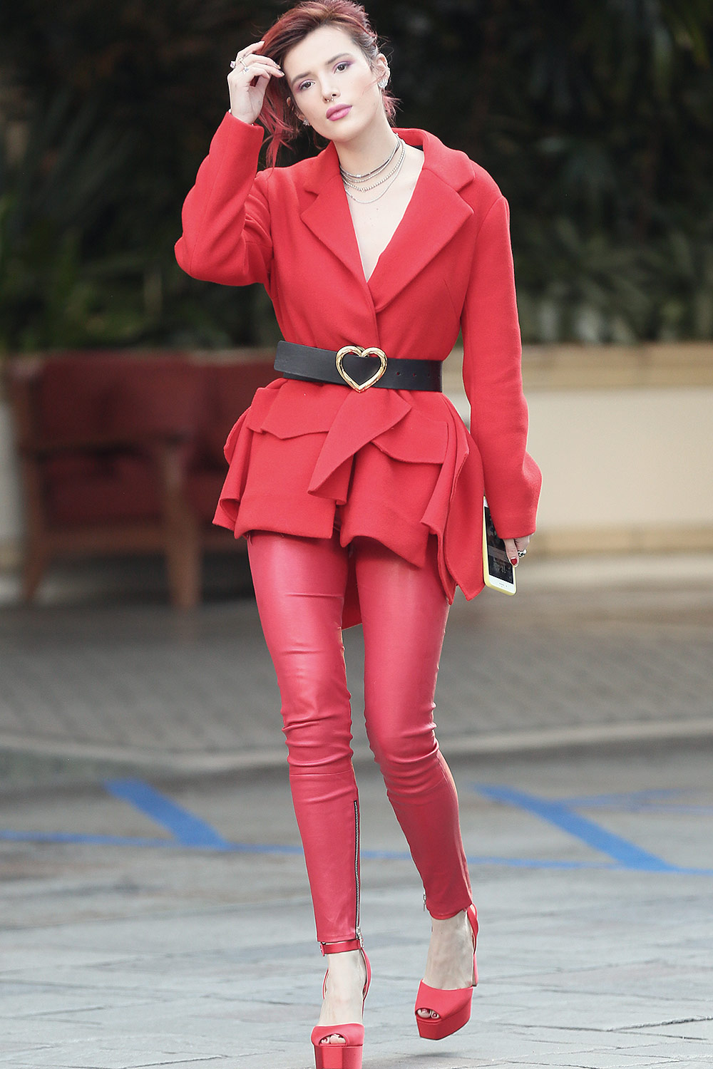 Bella Thorne at the Four seasons Hotel