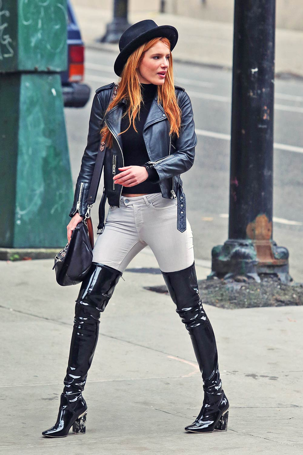 Bella Thorne out in Vancouver
