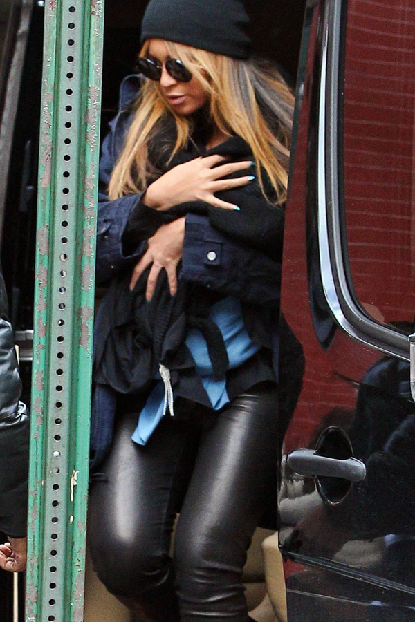 Beyonce Knowles and family out for a late lunch at Sant Ambroeus in NYC