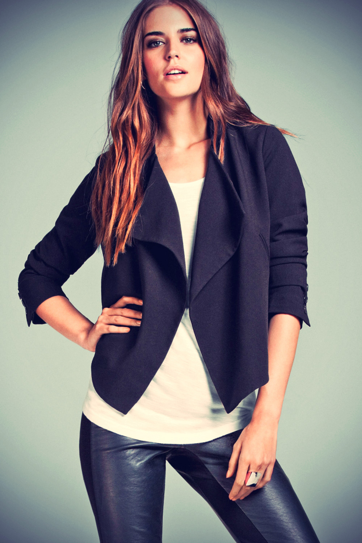 Clara Alonso leather mix