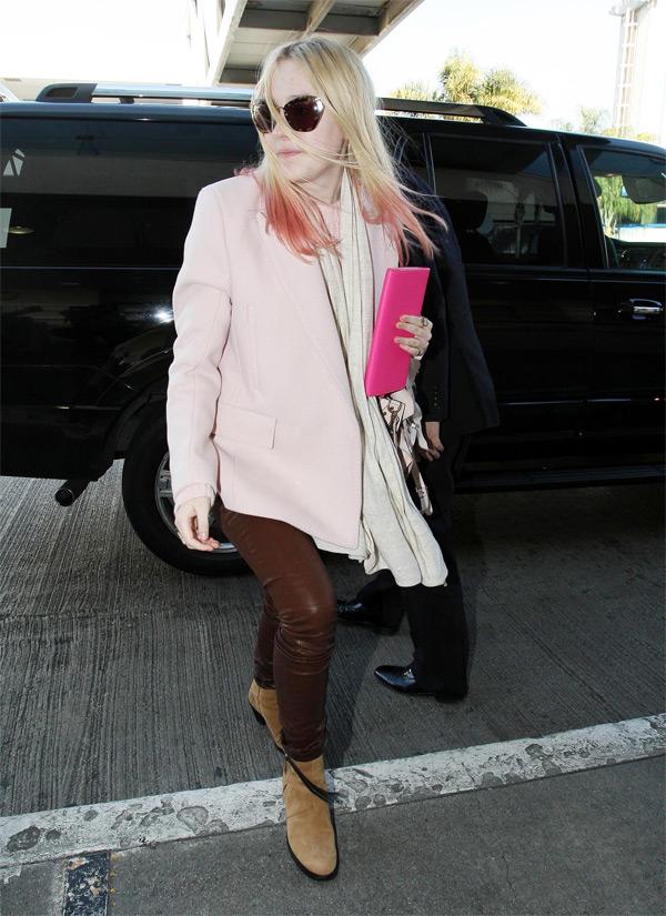 Dakota Fanning at LAX Airport