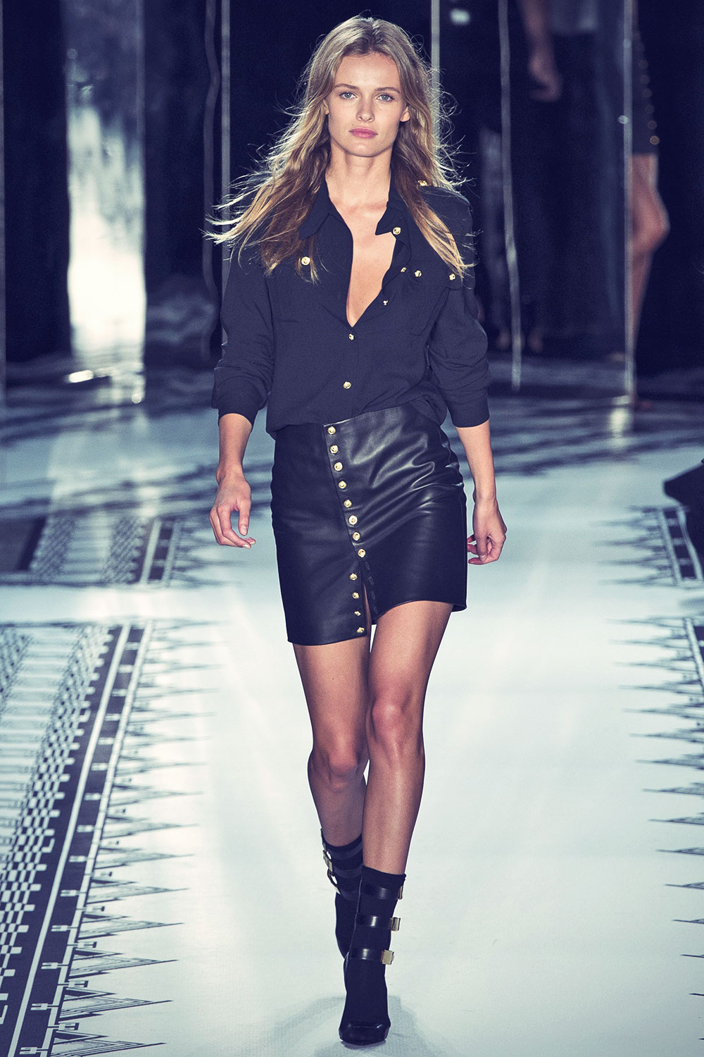 Edita Vilkeviciute on the catwalk at Versus Spring Summer 2015 ...