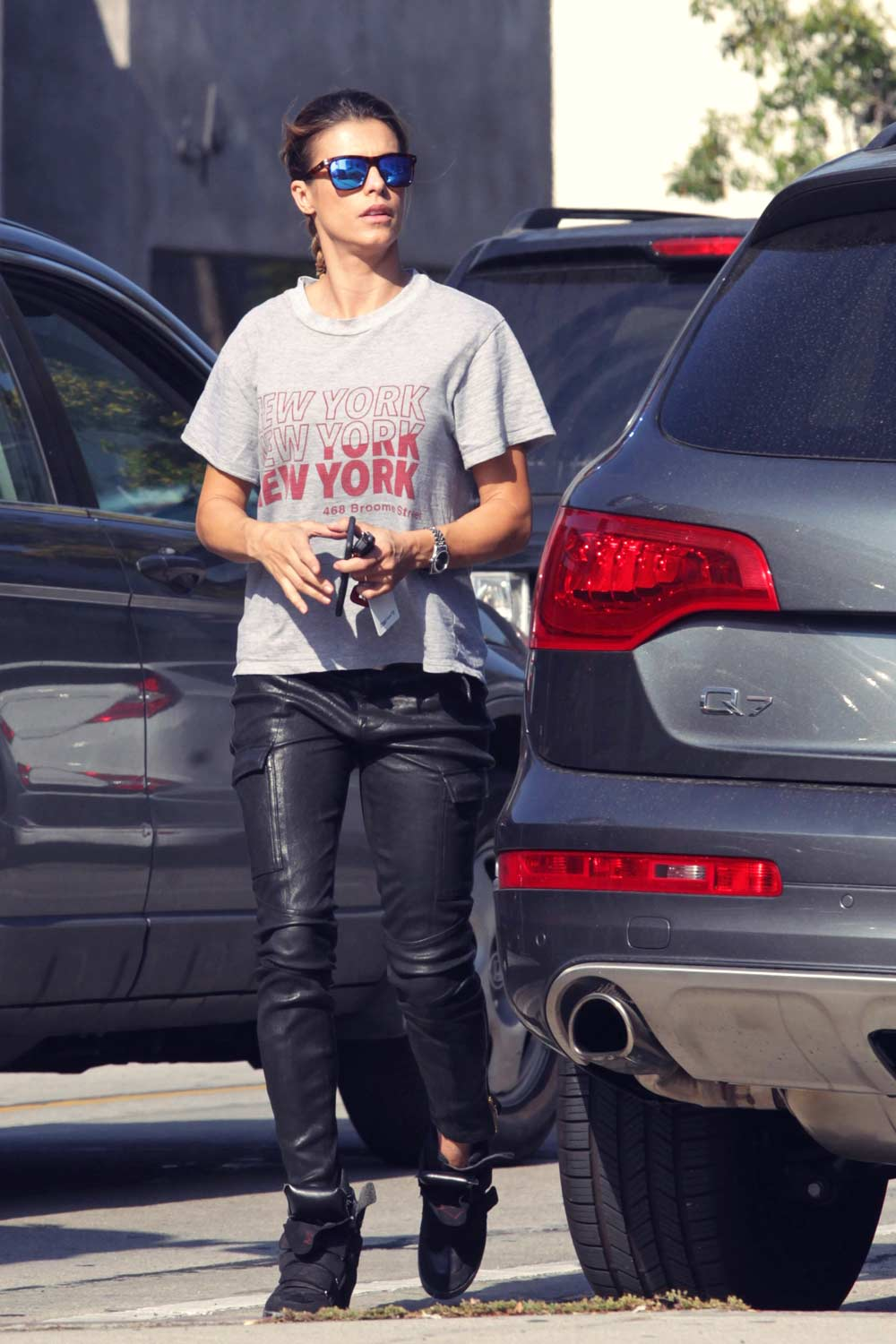 Elisabetta Canalis out for lunch at Urth Cafe