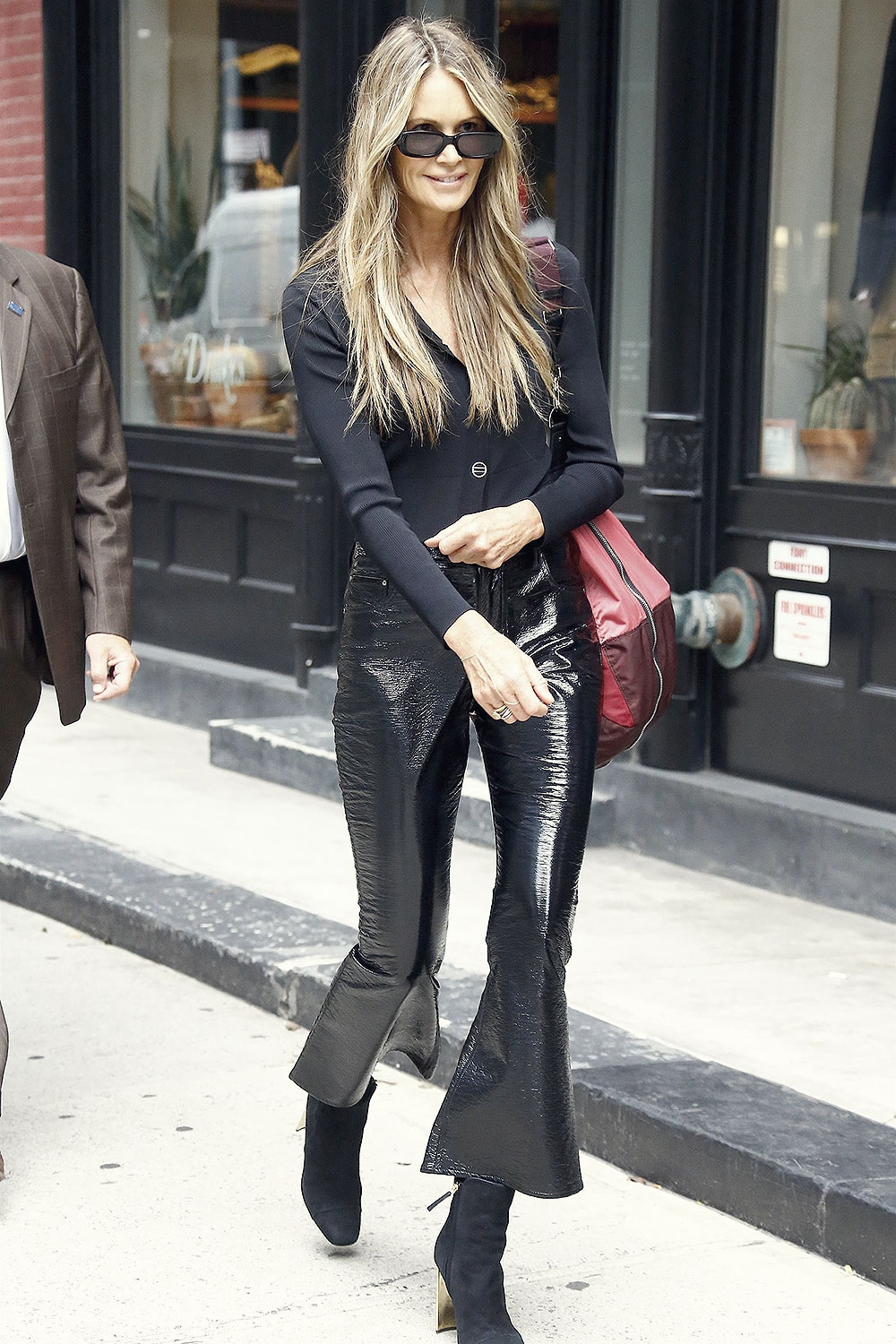 Elle Macpherson Going To Her Store Welleco On It S Opening