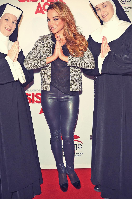 Estefania Kuster attends Sistet Act Musical Premiere