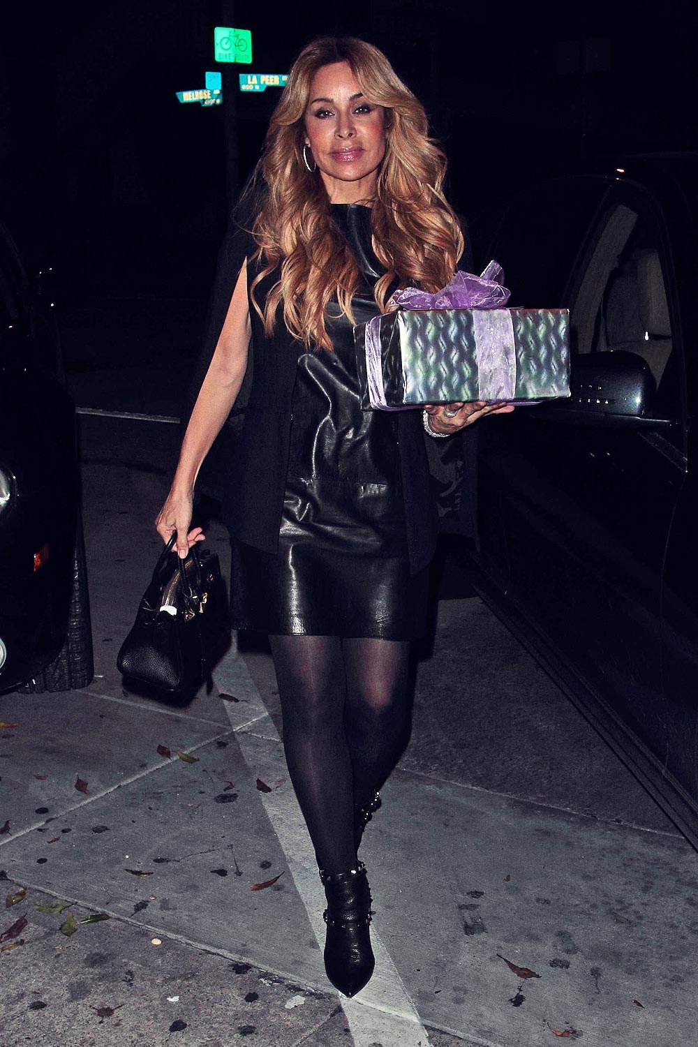 Faye Resnick Arrives At Craig S Hollywood To Celebrate The