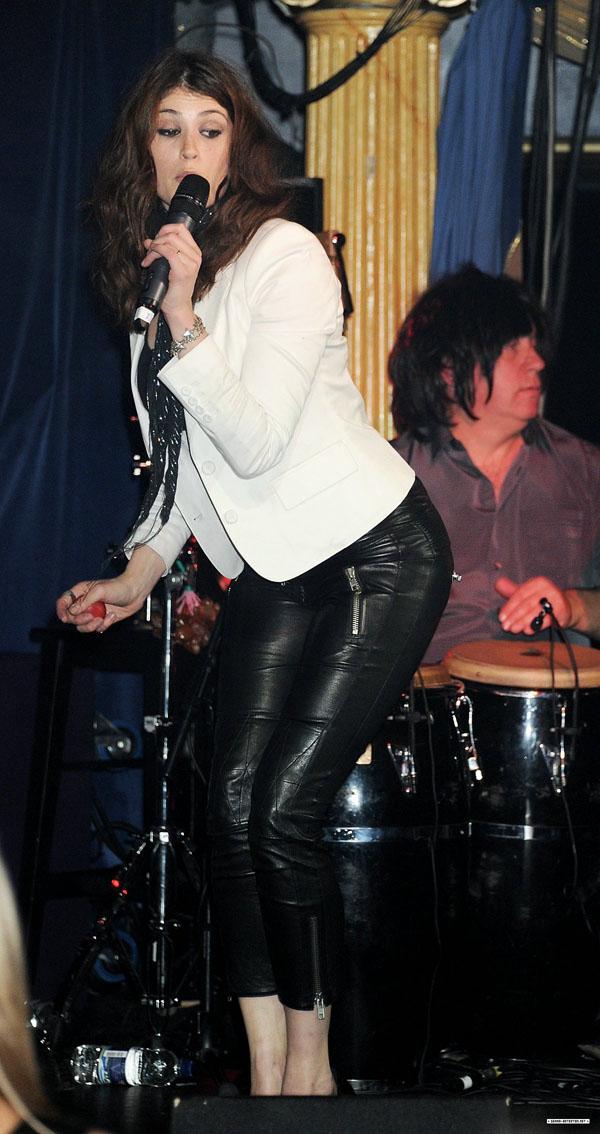Gemma Arterton performing at Hoping Foundation