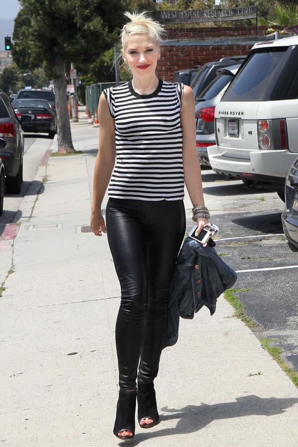 Gwen Stefani arriving at a Studio