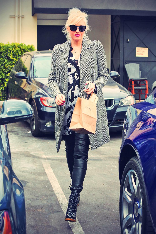 Gwen Stefani go to Breakfast in Sherman Oaks