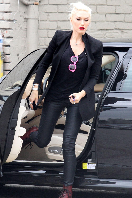 Gwen Stefani arriving at a recording studio