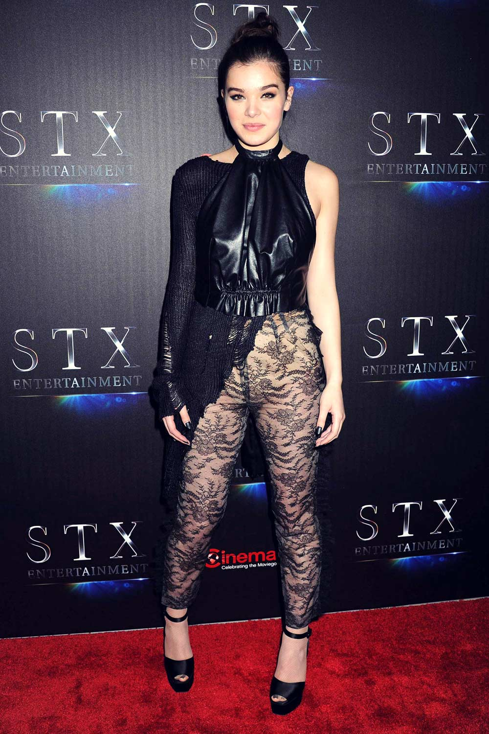 Hailee Steinfeld attends STX Entertainment CinemaCon Presentation